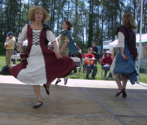 Ladies Step Dancers - Bham Highland Games 2010 - 3 resized